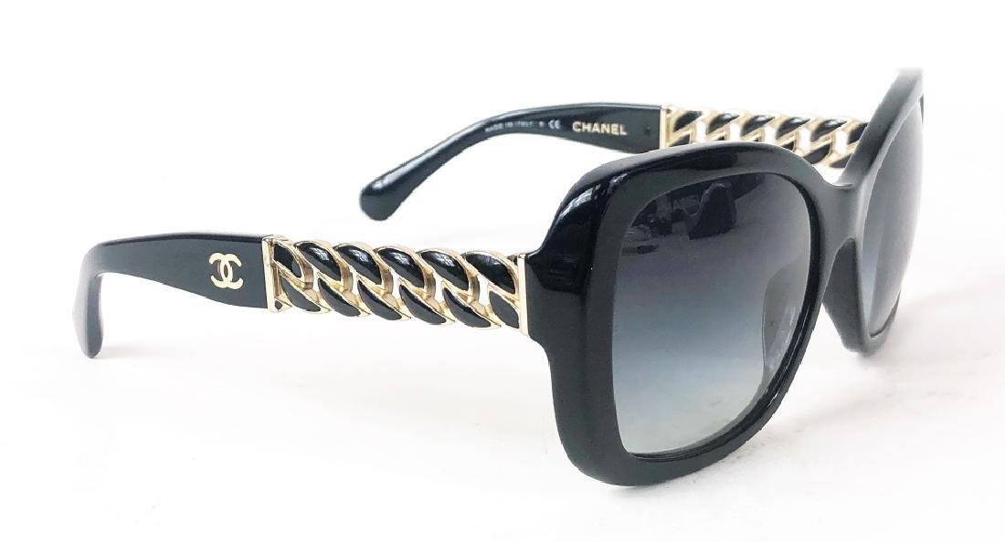 Chanel 5305 Chain Link CC Logo Wayfarer Sunglasses