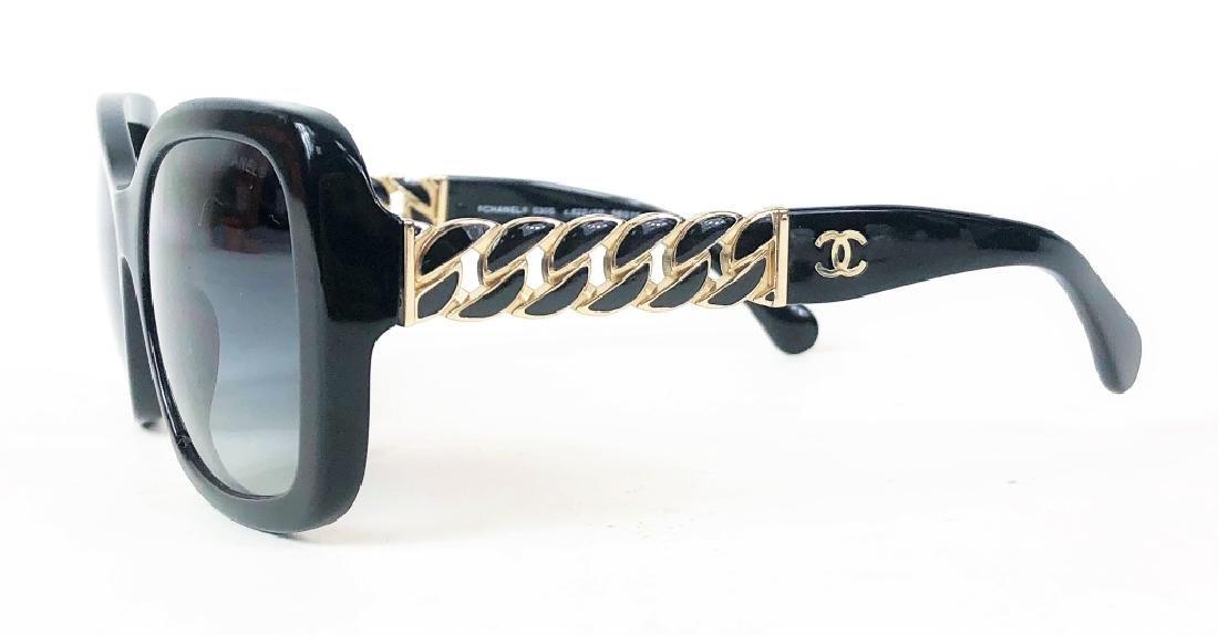 Chanel 5305 Chain Link CC Logo Wayfarer Sunglasses - 3