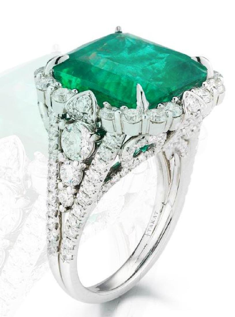18K GOLD EMERALD AND DIAMOND RING - 2