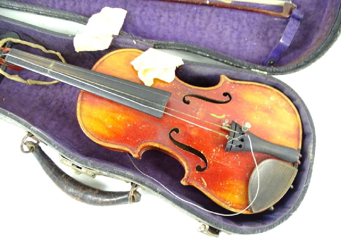 Antique Estate Fiddle, Bow & Case - 5