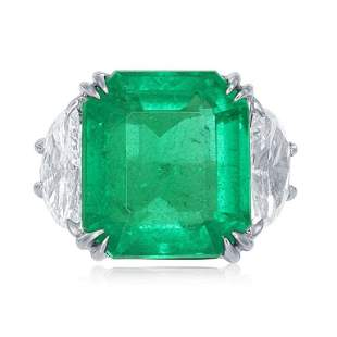 COLOMBIAN EMERALD AND DIAMOND RING