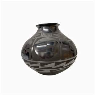 Jesus Tena Vintage Black Pottery Vase