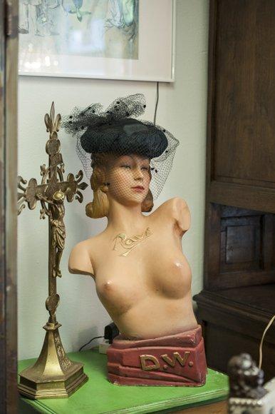 Vintage buste