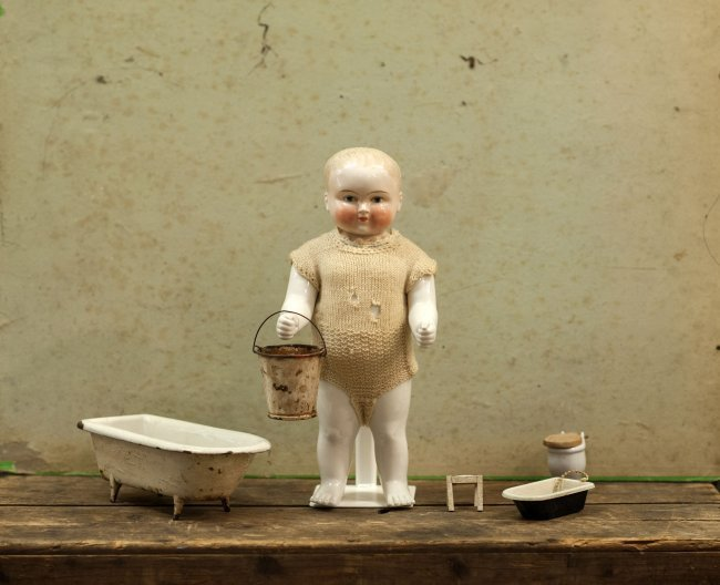 Frozen charlie / Charly porcelain bath doll from 1850