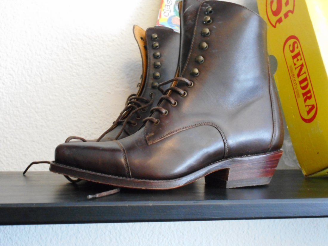 Vintage look Sendra leather laced boots size 37