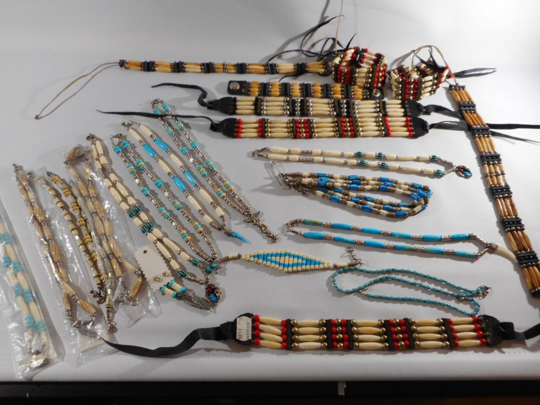 Lot of 25 Native American necklaces, bracelts & chokers