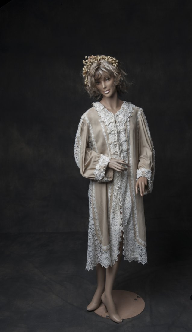 Antique dress / morning gown from 1920