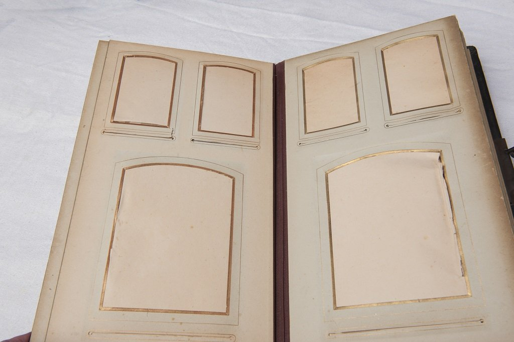 Antique photo album with silver clasp - 4