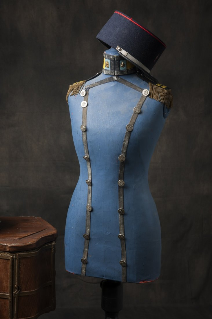 Militairy themed mannequin - 2