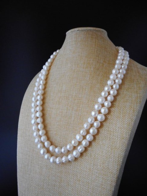 585/14K Pearl necklace of baroque cultivated pearls