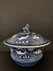 A LARGE BLUE AND WHITE BOWL AND COVER,