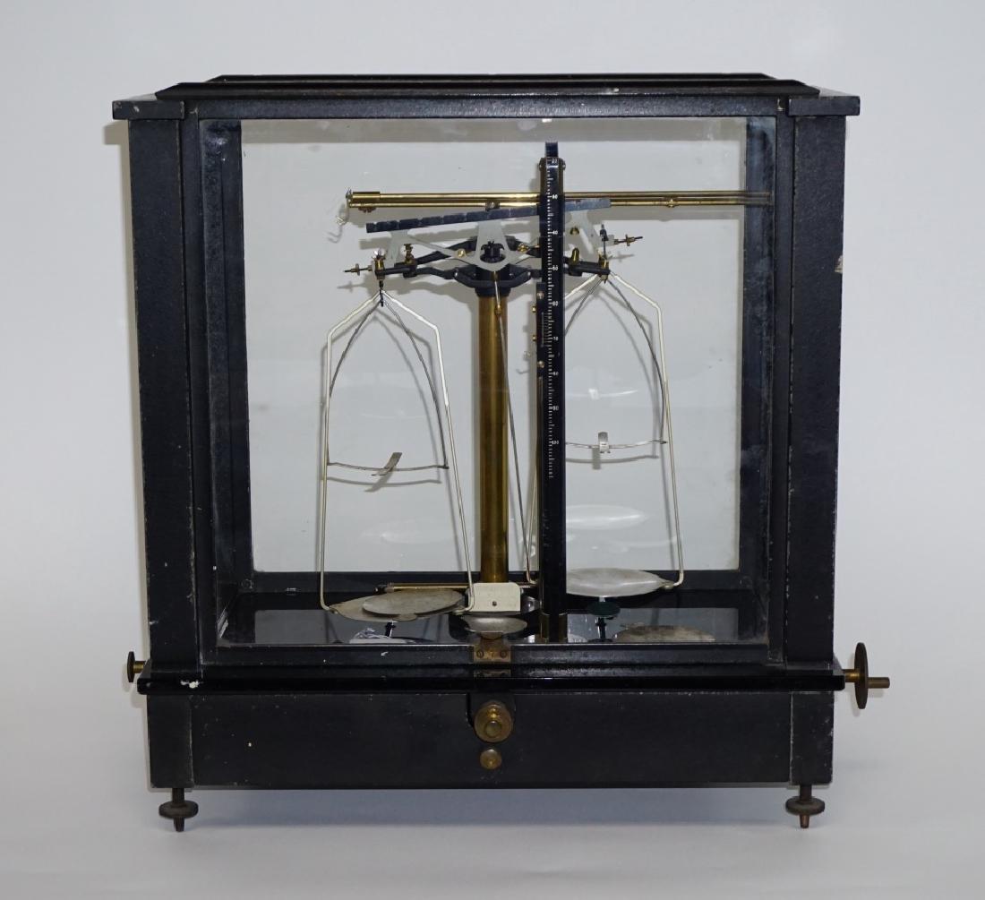 ANTIQUE AINSWORTH BALANCE SCALE TYPE DLB No 14984