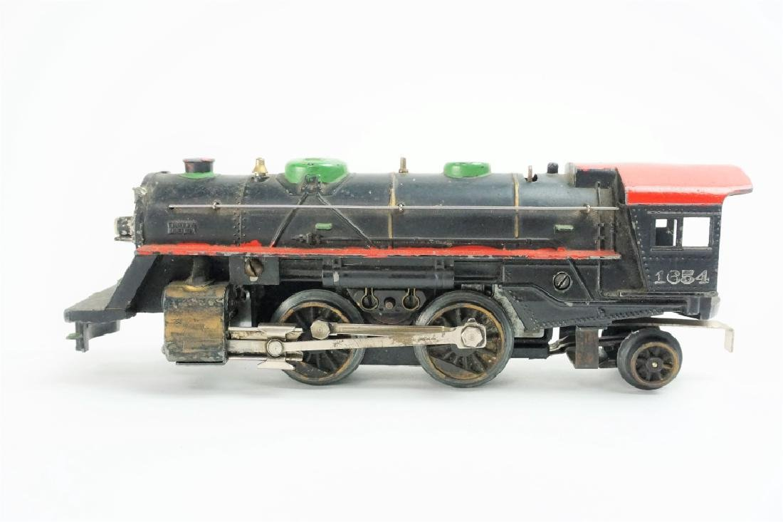 (5) ASSORTED LIONEL TRAIN CARS - 4