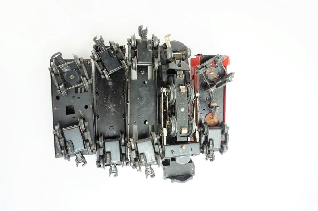 (5) ASSORTED LIONEL TRAIN CARS - 6