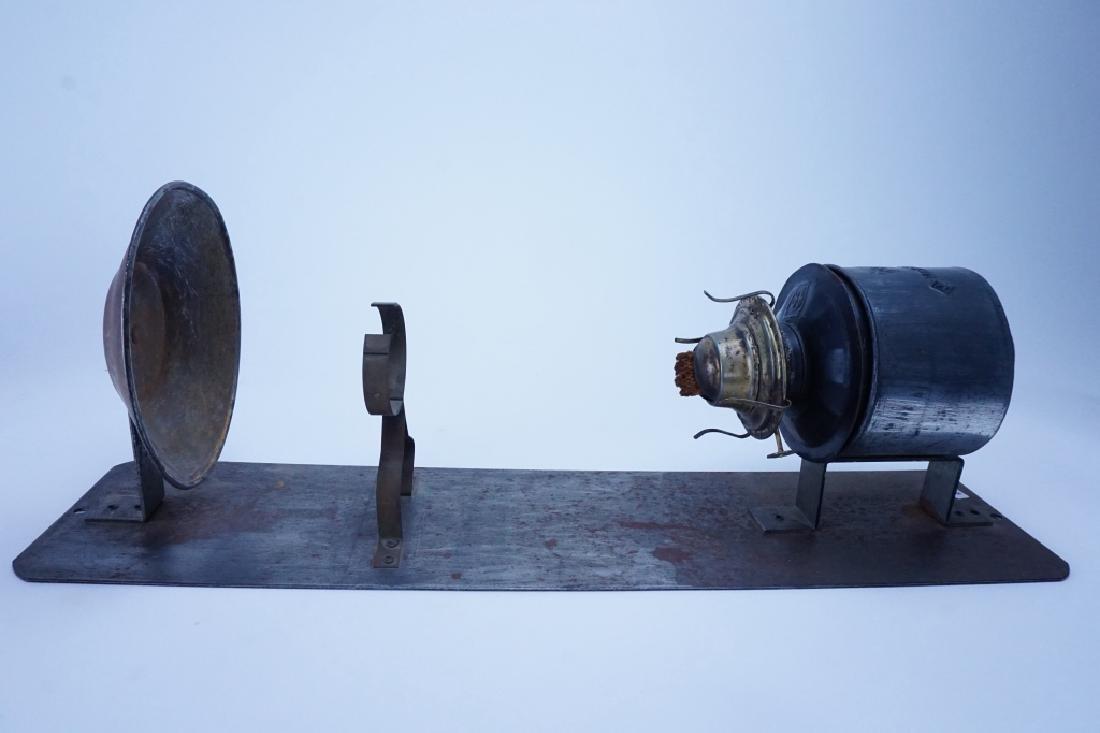 ANTIQUE PENNSYLVANIA RAILROAD CABOOSE OIL LAMP - 3