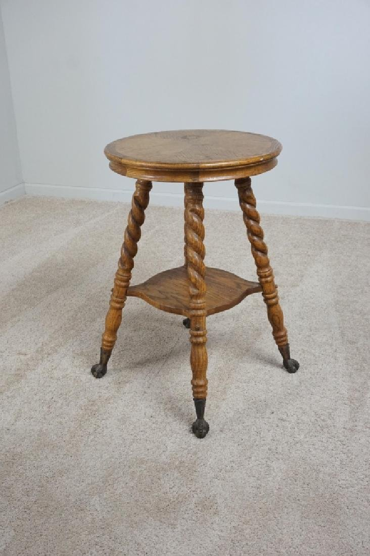 OAK PARLOR TABLE WITH BARLEY TWIST LEGS