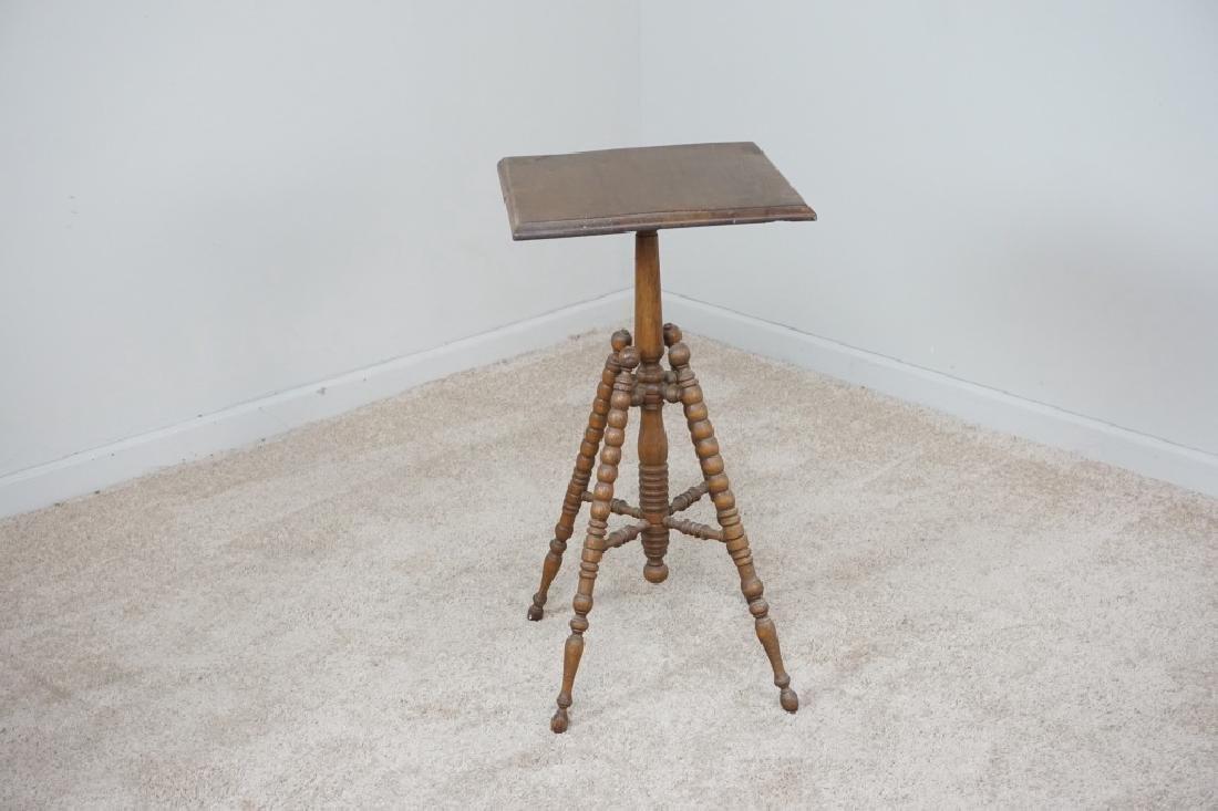 TURNED LEG OAK SIDE TABLE - 2
