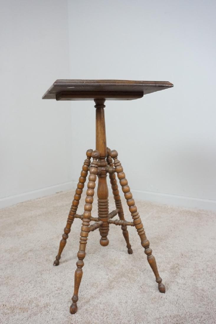 TURNED LEG OAK SIDE TABLE - 3