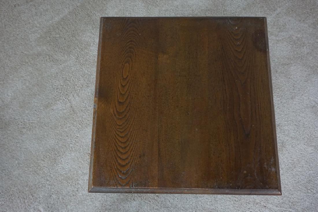 TURNED LEG OAK SIDE TABLE - 5