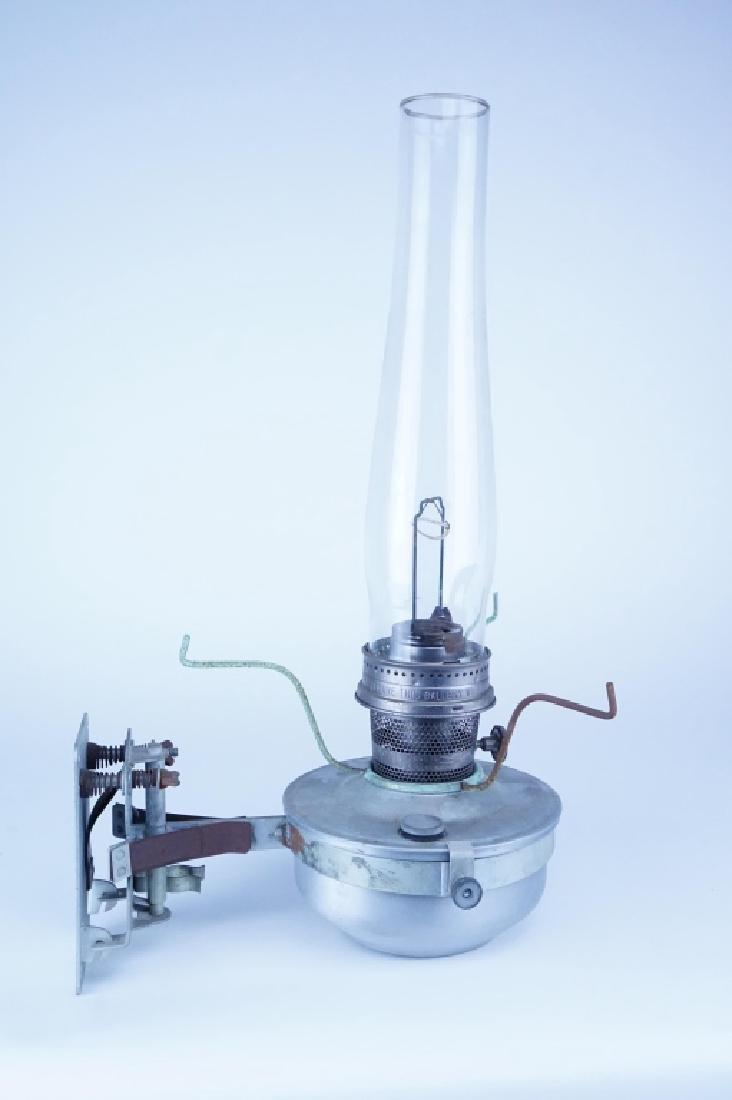 VINTAGE ALADDIN CABOOSE OIL LAMP