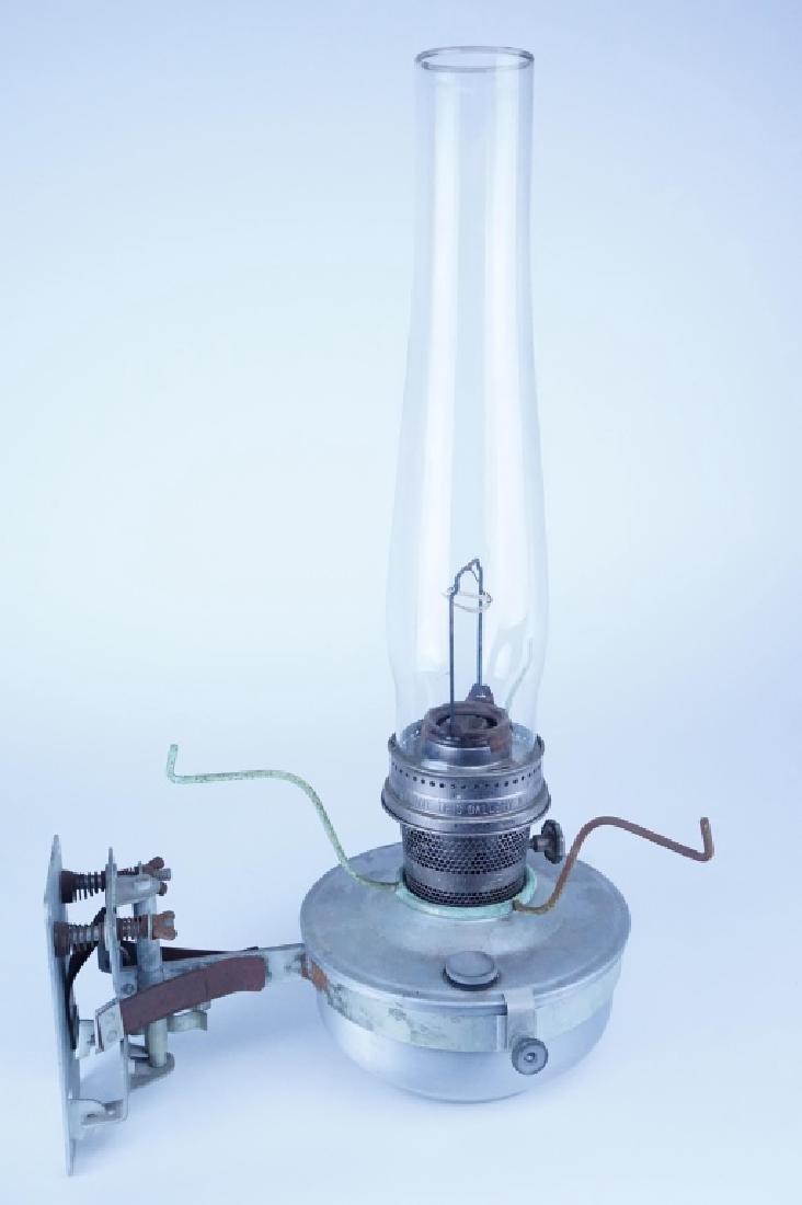 VINTAGE ALADDIN CABOOSE OIL LAMP - 2