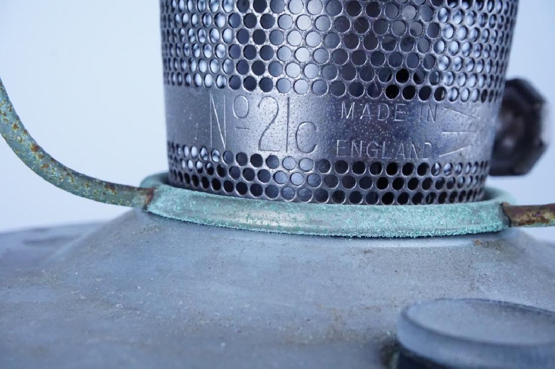 VINTAGE ALADDIN CABOOSE OIL LAMP - 4