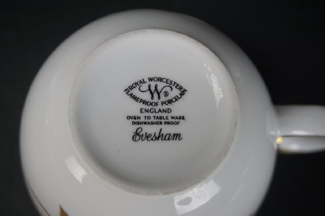 """25pc ROYAL WORCESTER """"EVESHAM"""" CUP & SAUCER SET - 4"""