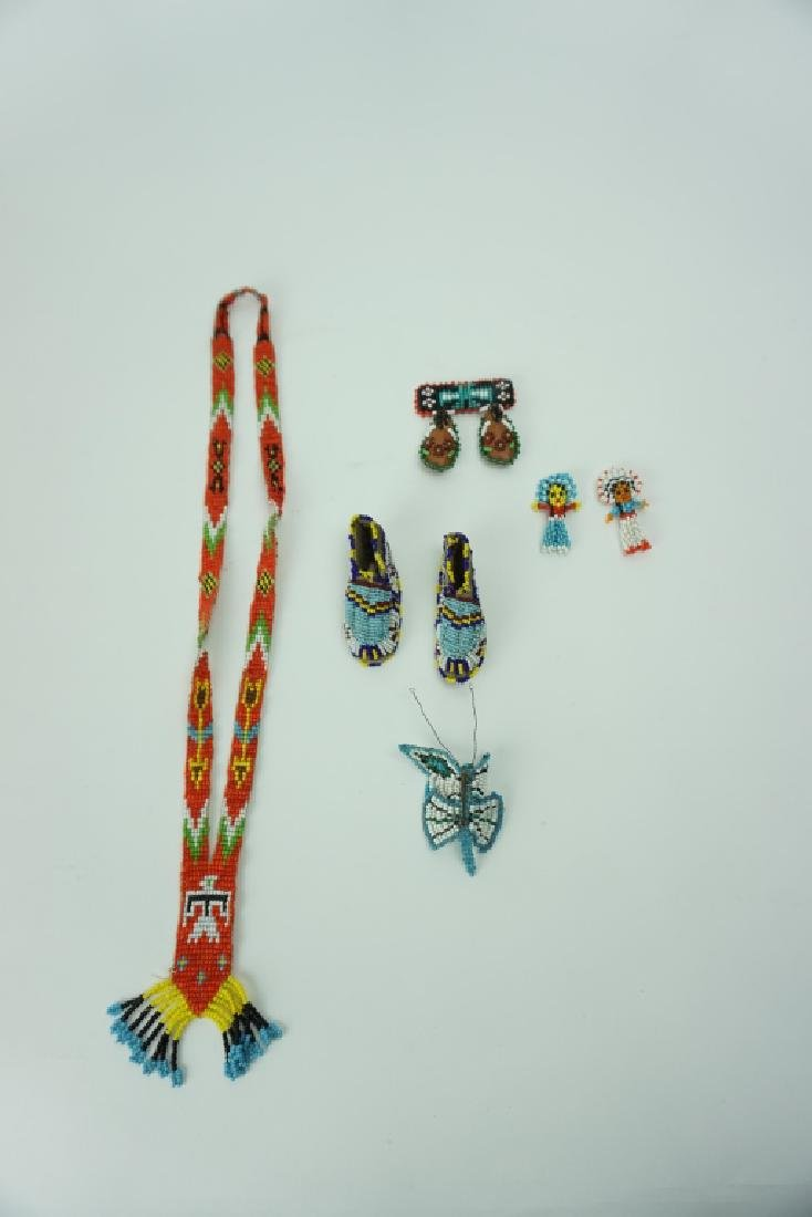 ASSORTED VINTAGE NATIVE AMERICAN BEADED ITEMS