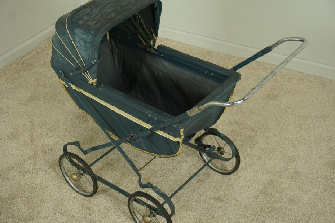 VINTAGE EASY-FOLD BABY CARRIAGE