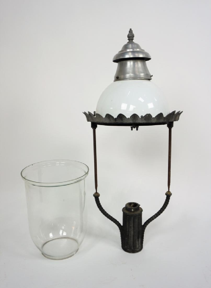 ANTIQUE GAS STREET LIGHT