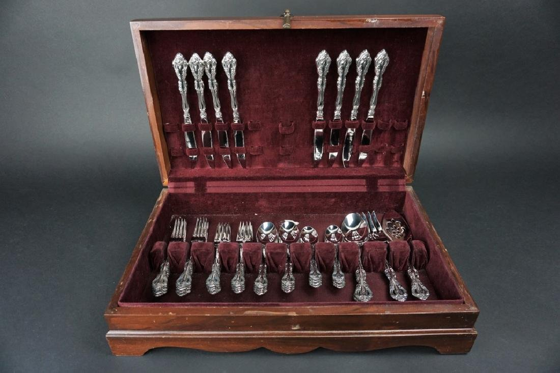 44pc ONEIDA STAINLESS STEEL MICHELANGELO FLATWARE
