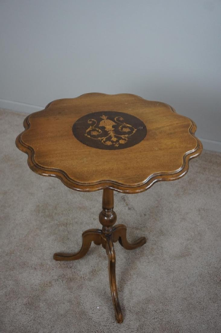 TILT TOP CANDLE STAND WITH INLAY CENTER MEDALLION