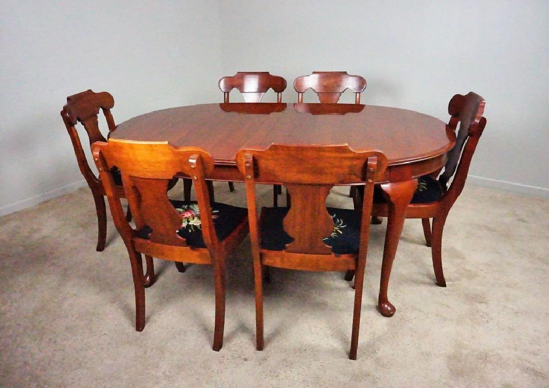 9pc VINTAGE PENNSYLVANIA HOUSE TABLE AND CHAIRS