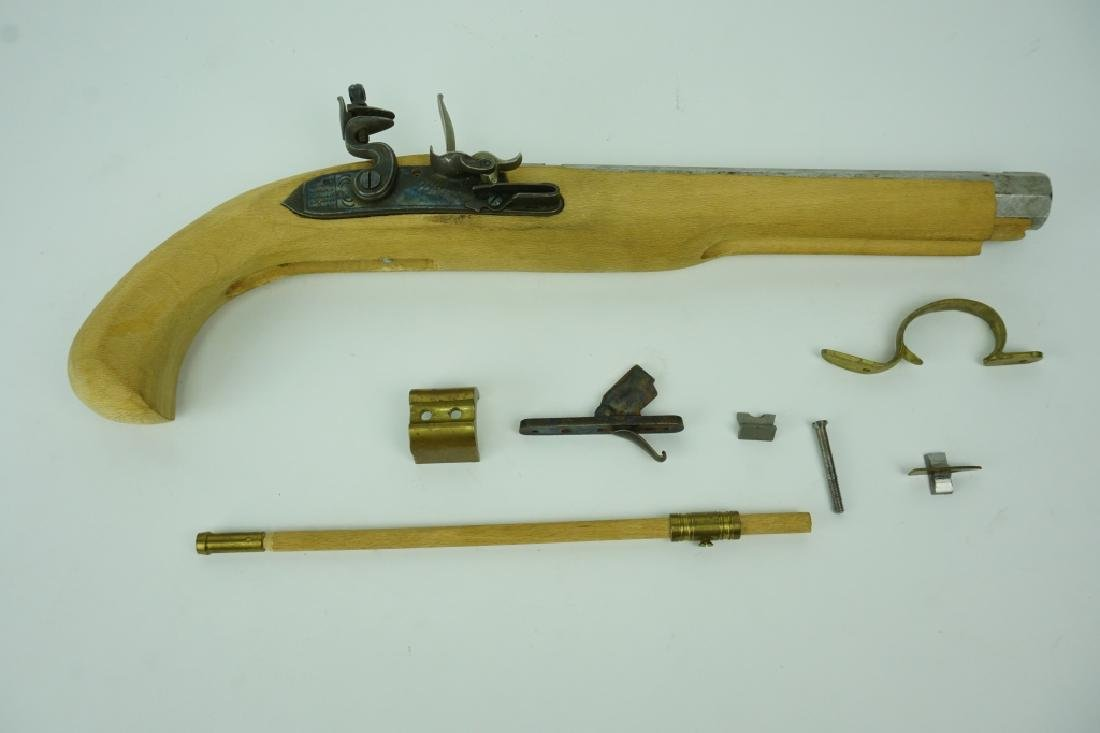 VINTAGE JUKAR FLINTLOCK BLACK POWDER PISTOL KIT