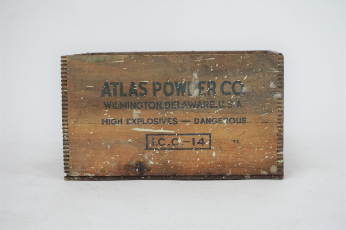 VINTAGE ATLAS POWDER CO CRATE