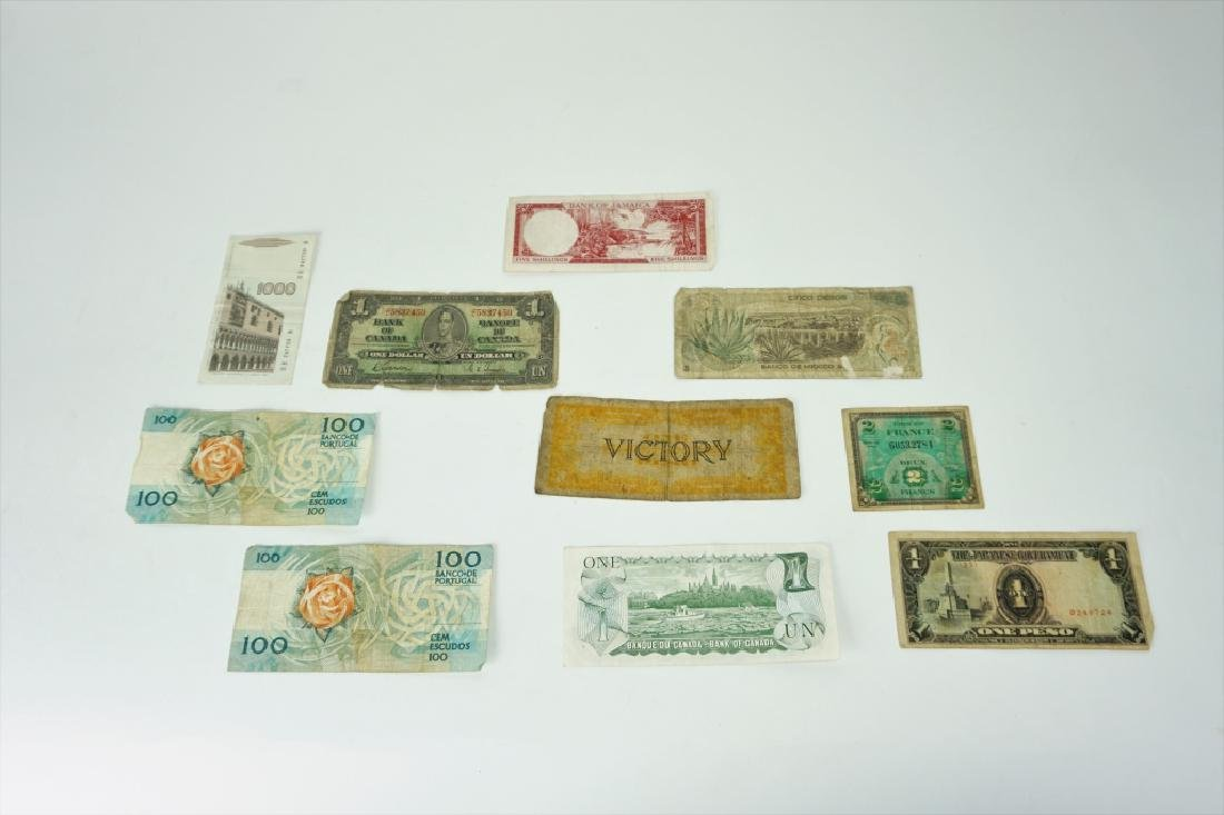 12pcs ASSORTED VINTAGE FOREIGN CURRENCY