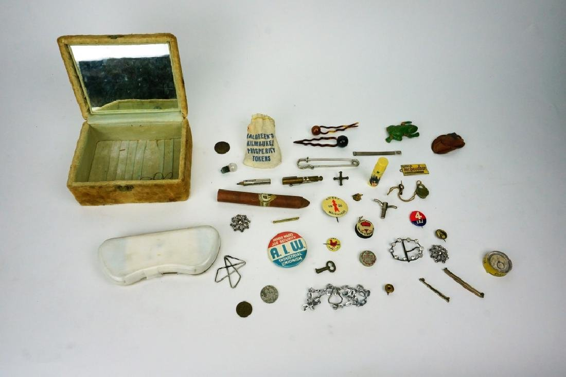 VINTAGE BOX FILLED WITH ASSORTED COLLECTIBLES
