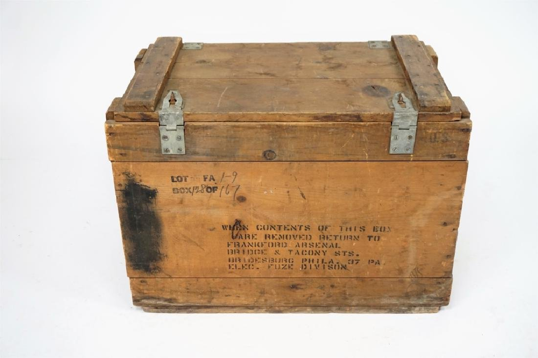 VINTAGE FRANKFORD ARSENAL WOODEN MILITARY CRATE