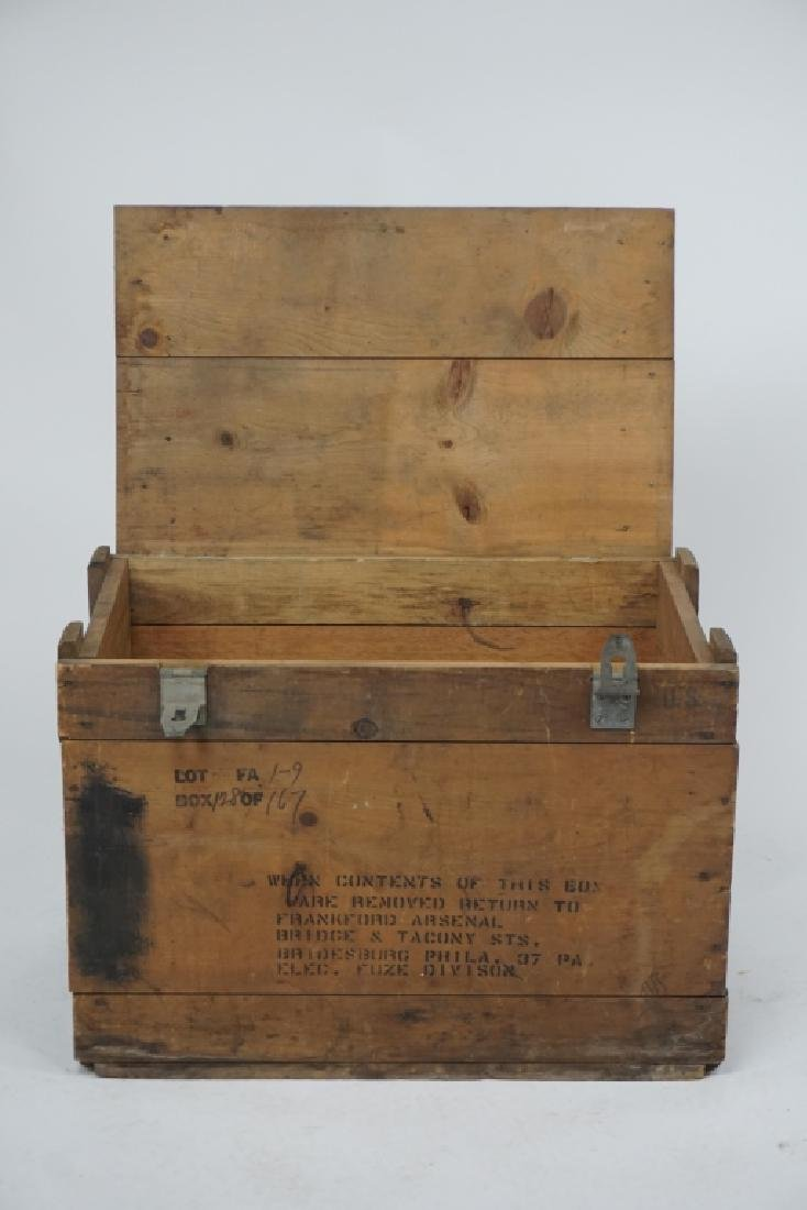 VINTAGE FRANKFORD ARSENAL WOODEN MILITARY CRATE - 5