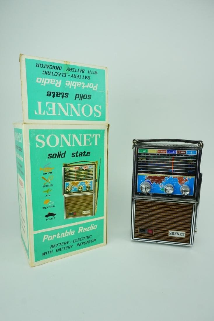 VINTAGE SONNET SOLID STATE RADIO IN ORIGINAL BOX