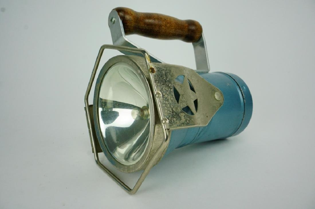 VINTAGE STAR RAILROAD HEADLIGHT LANTERN