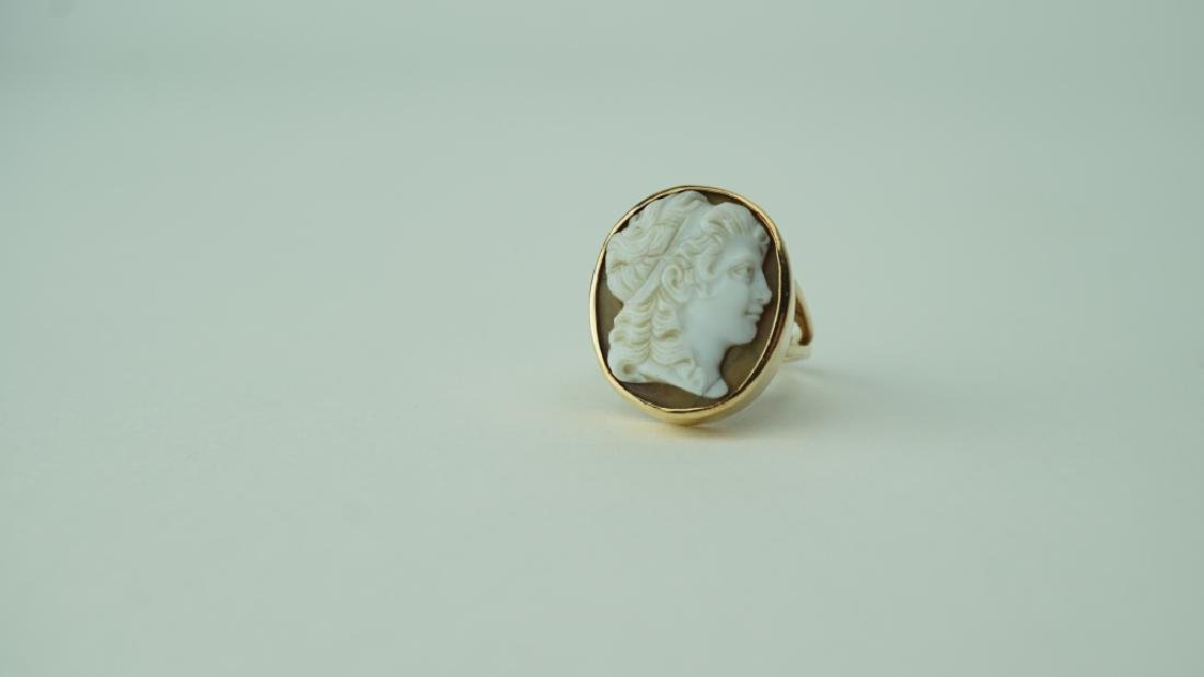 14K YELLOW GOLD VICTORIAN AGATE CAMEO RING