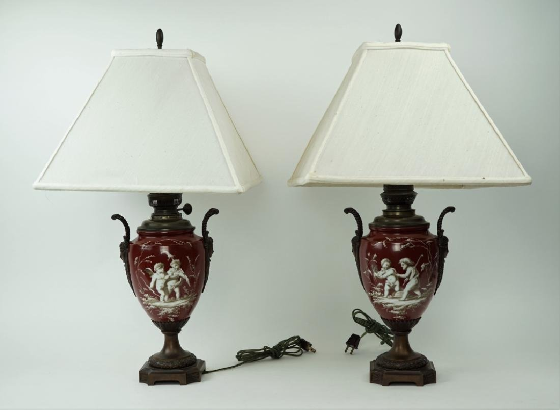 PAIR OF NEOCLASSICAL GRISAILLE STYLE PAINTED