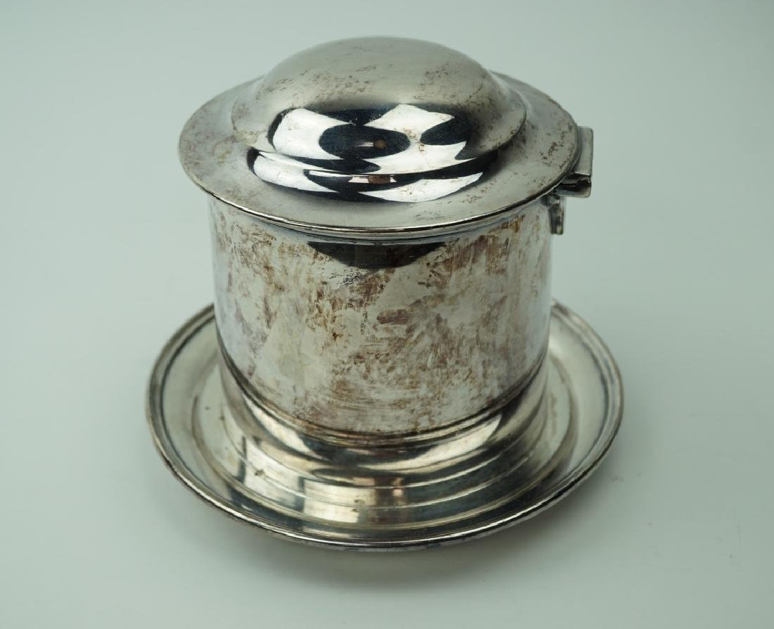 ANTIQUE WALKER & HALL SILVERPLATE BISCUIT BOX