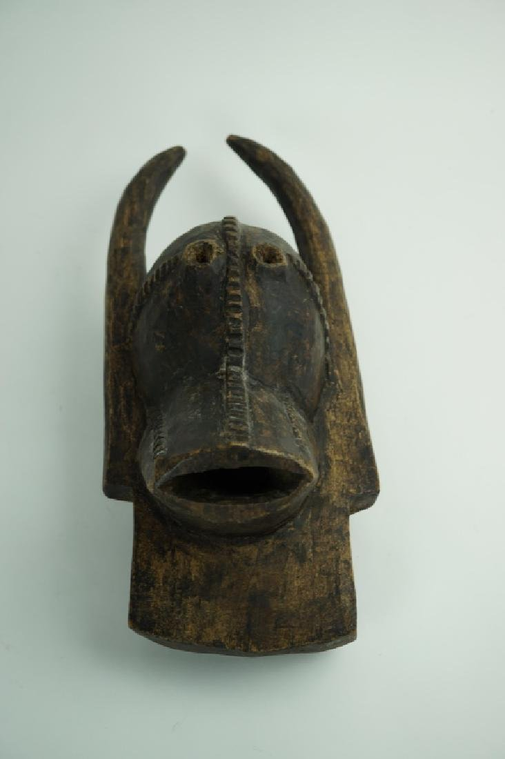 ANTIQUE AFRICAN BUSH COW EFFIG MASK
