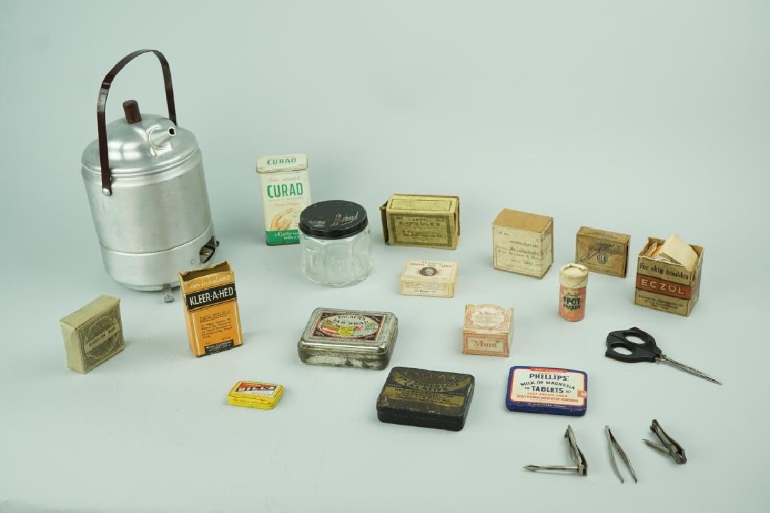 ASSORTED VINTAGE MEDICAL SUPPLIES