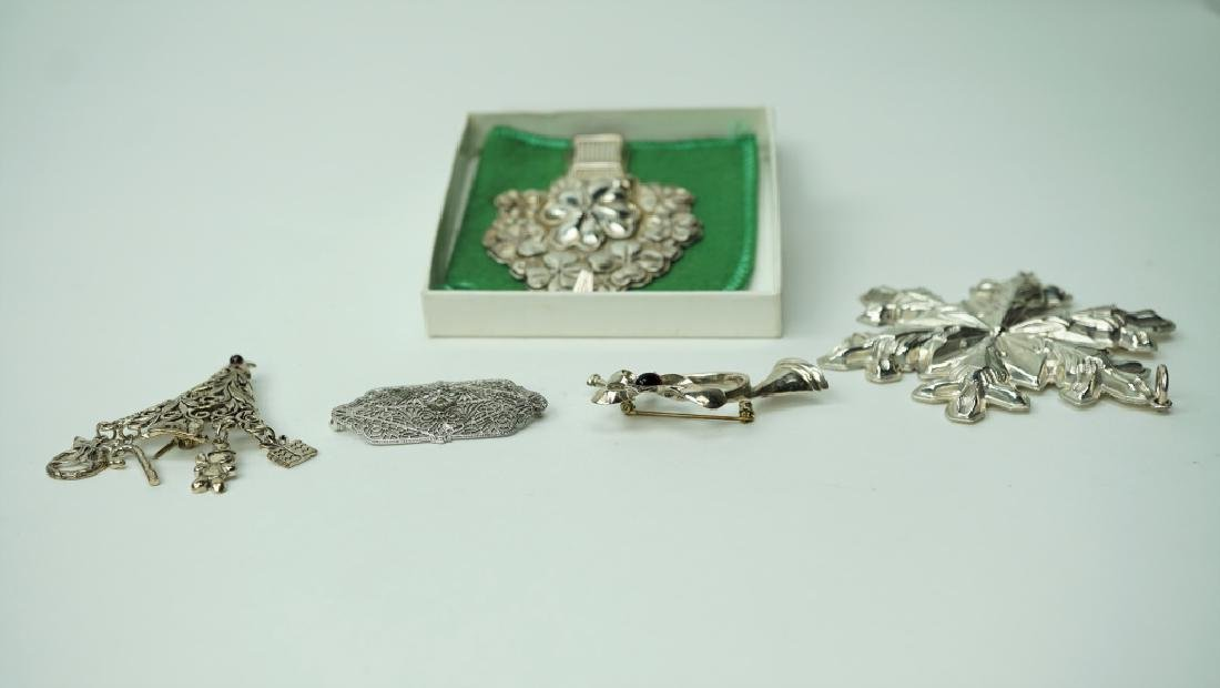(5) ASSORTED STERLING PENDANTS AND BROOCHES