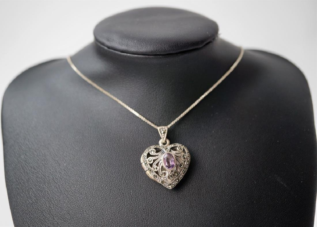 STERLING SILVER LOCKET & CHAIN