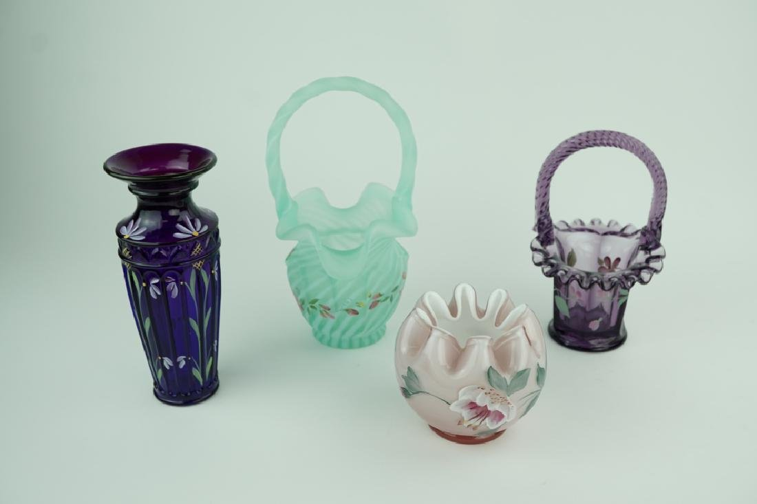 4pcs ASSORTED FENTON ART GLASS