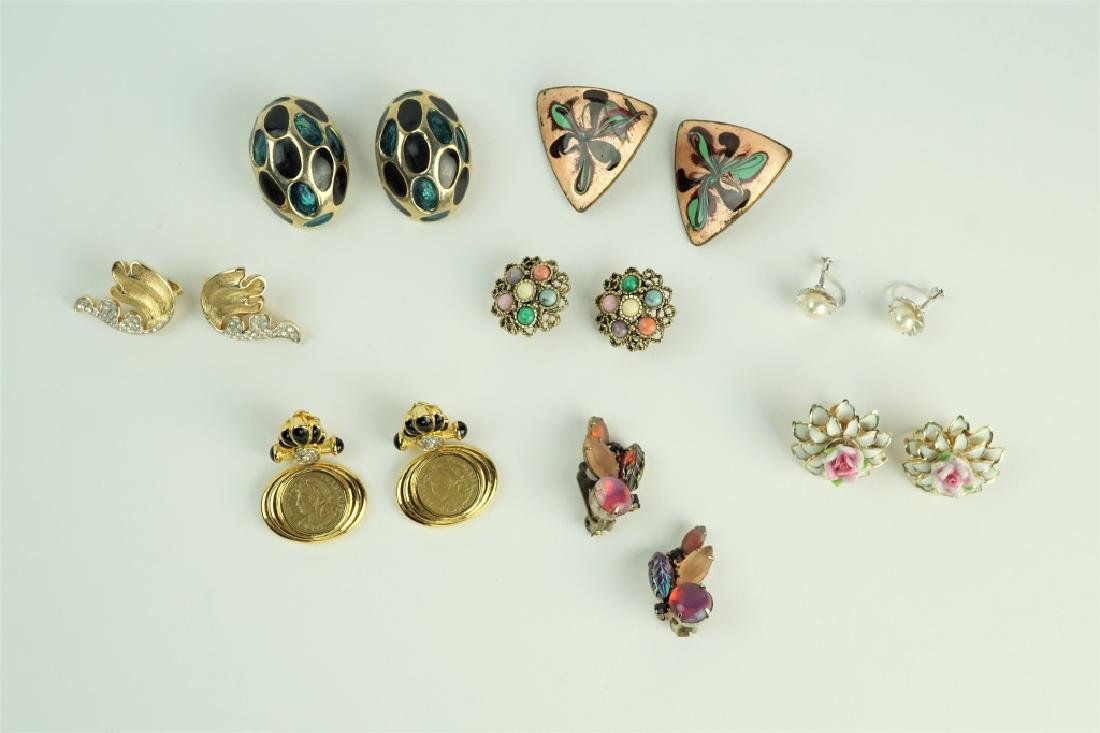 (8) PAIRS ASSORTED DESIGNER CLIP ON EARRINGS
